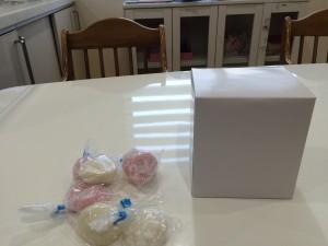 藤井寺の餅撒きで獲得した餅&景品