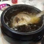 三女のお食い初めの祝い鯛を丸ごと寄せ鍋に豆乳