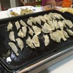 家族で手作り餃子パーティー