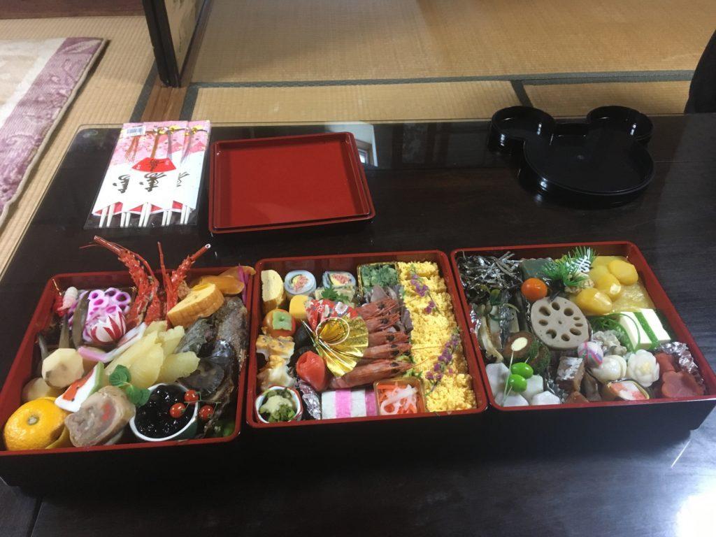 藤井寺駅前の美喜寿司のお節料理